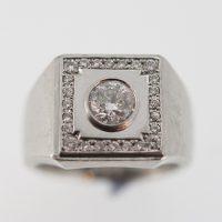 お父様の指輪からダイヤを取り出してペンダントに・・・